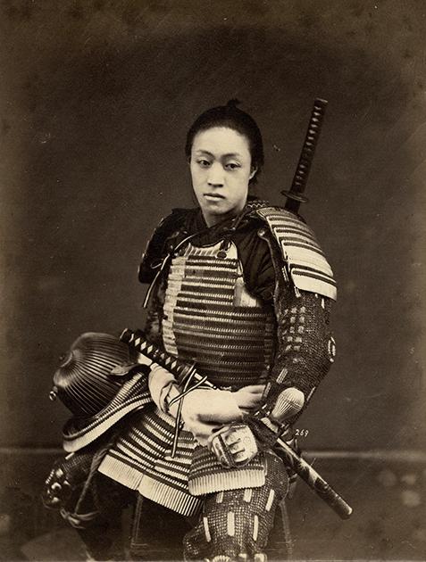 Портрет неизвестного самурая в доспехах.