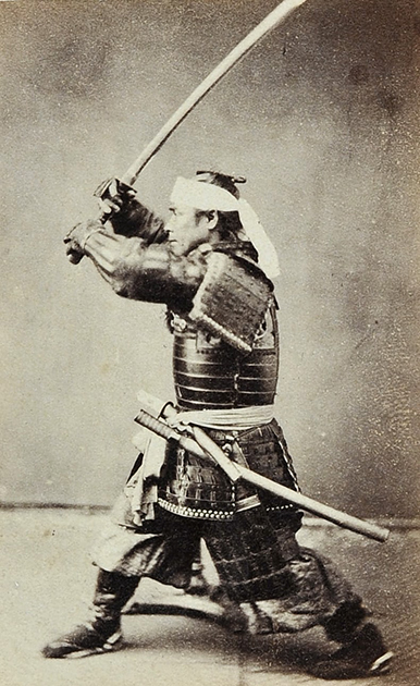 Кубота Сэнтаро в доспехах и с мечом. 1864 год